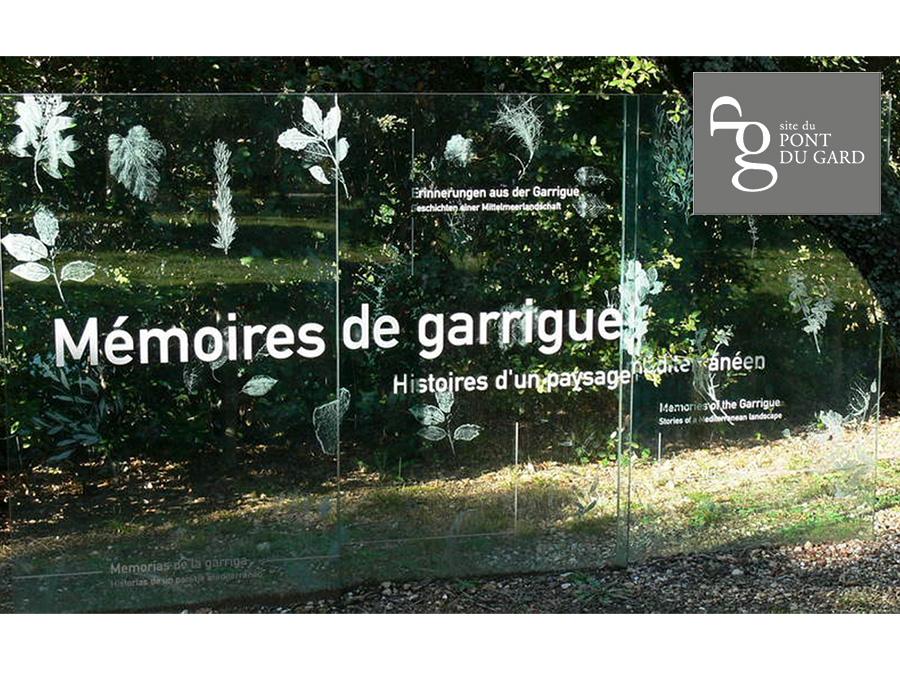 Scénographie de Raymond Sarti, Mémoire de Garrigue, Pont du Gard